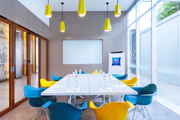 ruang pertemuan-small