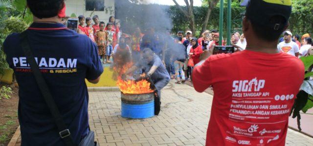 Warga Jakarta Diajari Cara Menanggulangi Bahaya Kebakaran