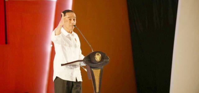Presiden Jokowi Minta Wisatawan Terdampak Erupsi Gunung Agung Dilayani Sacara Baik