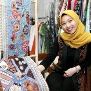 Kain Etnik Nusantara Sumber Inspirasi Desainer Cinthia Yulianti