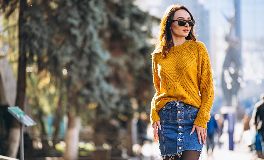https://www.freepik.com/free-photo/pretty-woman-posing-autumn-street_3655301.htm